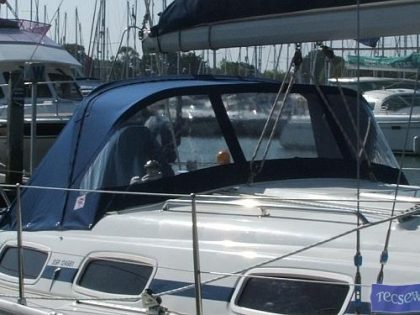 Bavaria 30 Sprayhood_1