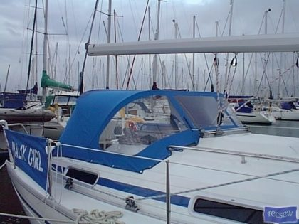Bavaria 34 Sprayhood_1