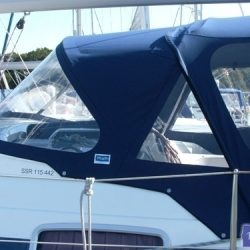 Bavaria 42 Cruiser Sprayhood_2