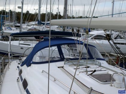 Bavaria 46 Cruiser 2005 model, Sprayhood_1