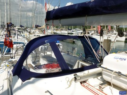 Bavaria 50 Cruiser, Tecsew design larger Sprayhood_1