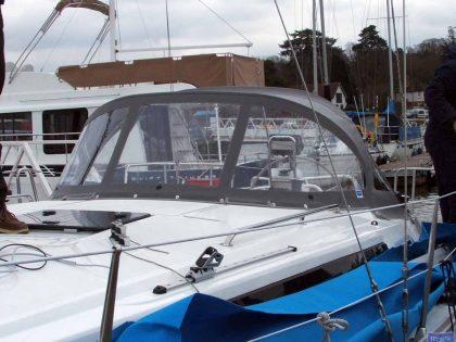 Bavaria Cruiser 33, 2013 Sprayhood_11