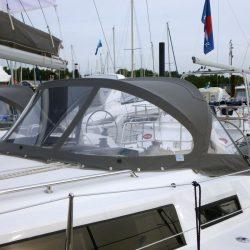 Bavaria Cruiser 33, 2013 Sprayhood_12
