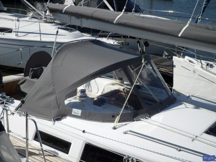 Bavaria Cruiser 34, 2016 Sprayhood_1