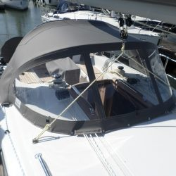 Bavaria Cruiser 34, 2016 Sprayhood_3