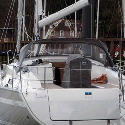 Bavaria Cruiser 36, 2013 Sprayhood_6