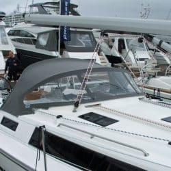 Bavaria Cruiser 41, 2013 Sprayhood_1