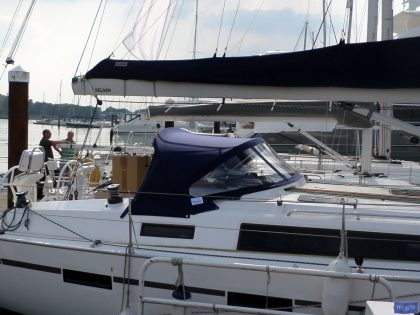 Bavaria Cruiser 41s Sprayhood_1