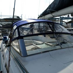 Beneteau 57 Sprayhood, Note reinforcing on roof is optional extra and works in conjunction with optional roof bars_2