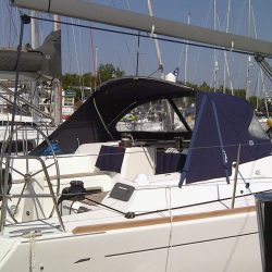 Dufour 40E Extended Sprayhood with roll back wings_3