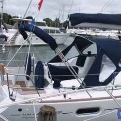 Jeanneau Sun Odyssey 39i Sprayhood with optional wing extensions and side windows_6