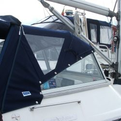 Oyster 406 with fixed windscreen Sprayhood, Muskrat_1