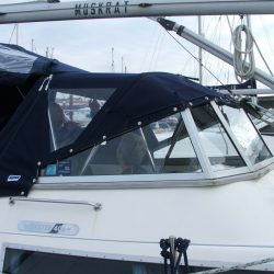 Oyster 406 with fixed windscreen Sprayhood, Muskrat_2
