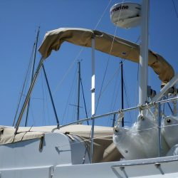 Beneteau Swift Trawler ST 34, Flybridge Tonneau Cover shown with optional Bimini fitted_3
