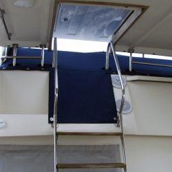 Trader 535 Signature Flybridge Tonneau_5