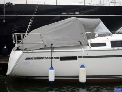 Bavaria Cruiser 33 Tonneau Cover, Zip attached to Sprayhood_1