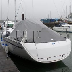 Bavaria Cruiser 33 Tonneau Cover, Zip attached to Sprayhood_4