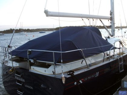 Southerly 38 Tonneau Cover, Zip attached to Sprayhood_1