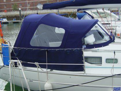 jeanneau sun odyssey 32 cockpit enclosure fitted to tecsew sprayhood 1