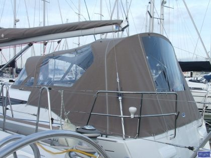 jeanneau sun odyssey 409 cockpit enclosure fitted to factory sprayhood 3