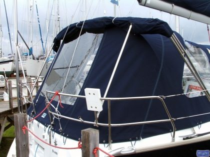 jeanneau sun odyssey 42ds cockpit enclosure fitted to tecsew sprayhood 4