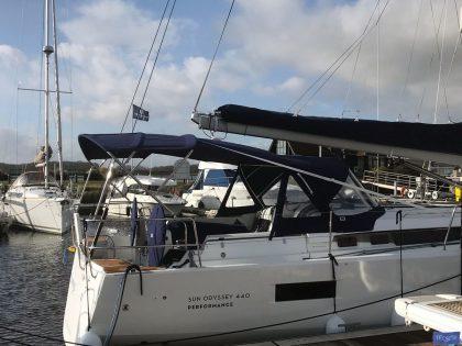 jeanneau sun odyssey 440 helm bimini and sprayhood connection panel 5
