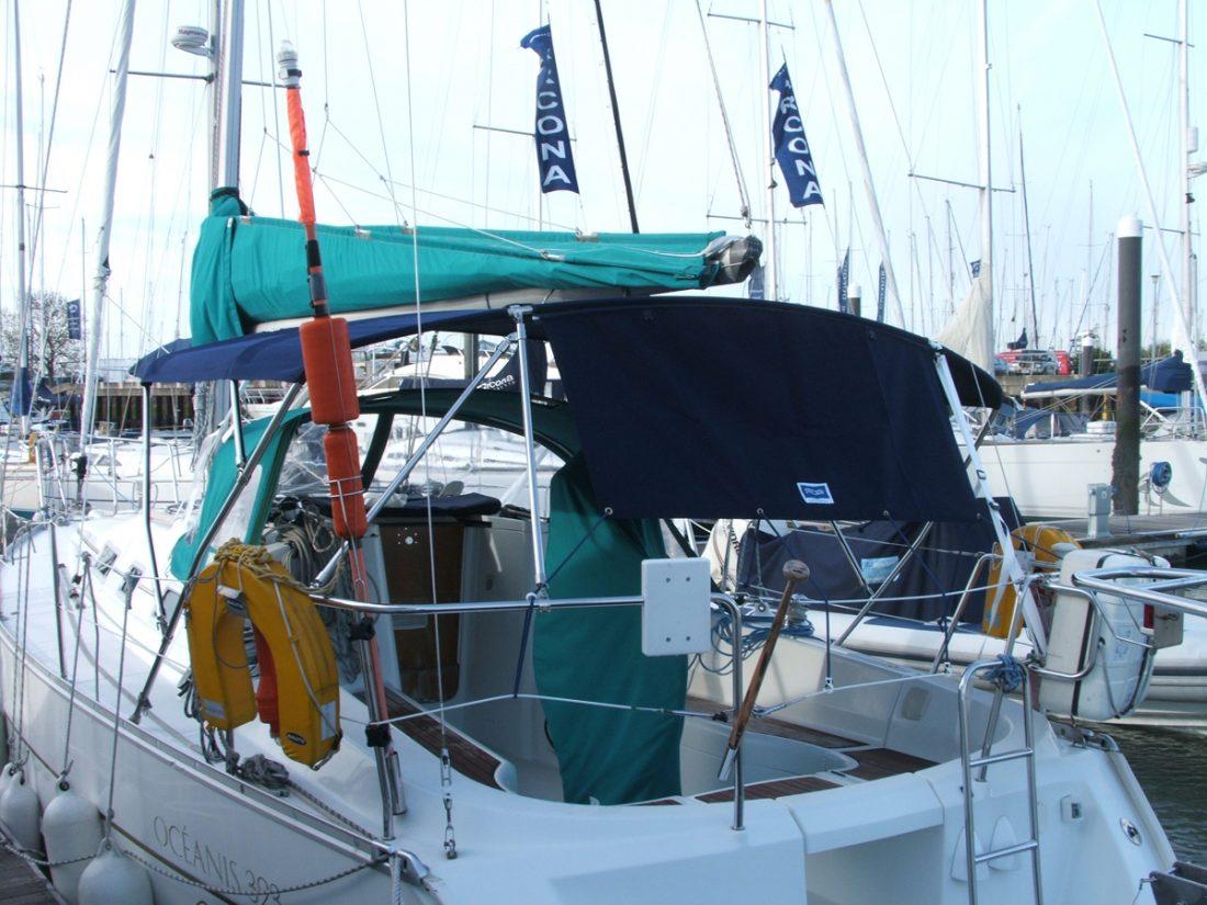 Beneteau Oceanis 323 Clipper Bimini