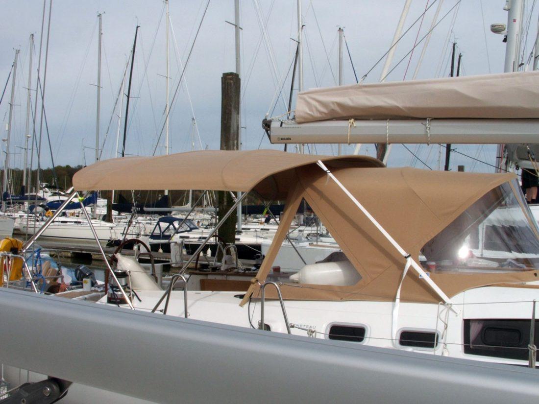 Beneteau Oceanis 54 Bimini