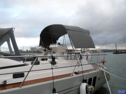 southerly 535 3 bar bimini with stretcher bars and welded grab bar 3