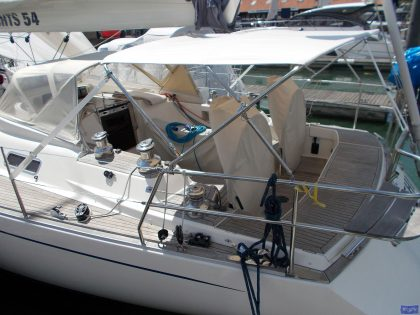 sweden 54 helm bimini with sprayhood connector and side shade panels 1