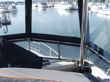 trader 535 signature flybridge enclosure ref 5194 jeanne rose 9