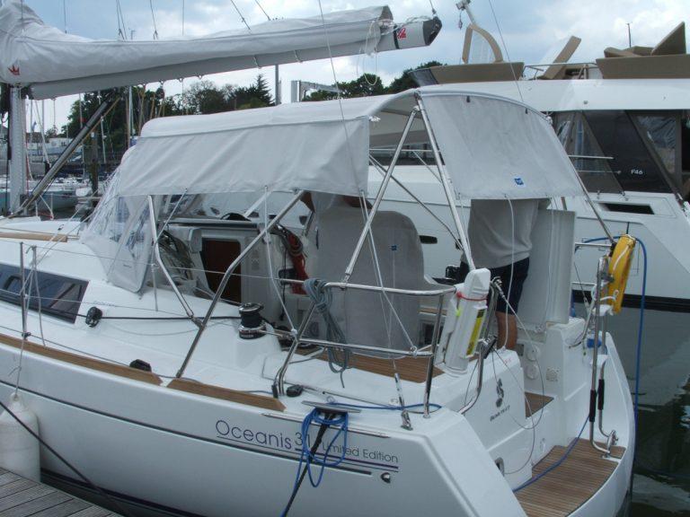 Beneteau Oceanis 31 Bimini