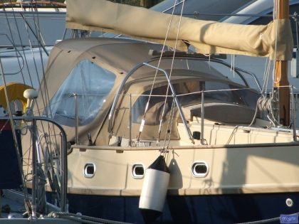 yarmouth 23 cockpit enclosure fits sprayhood on factory frame 3