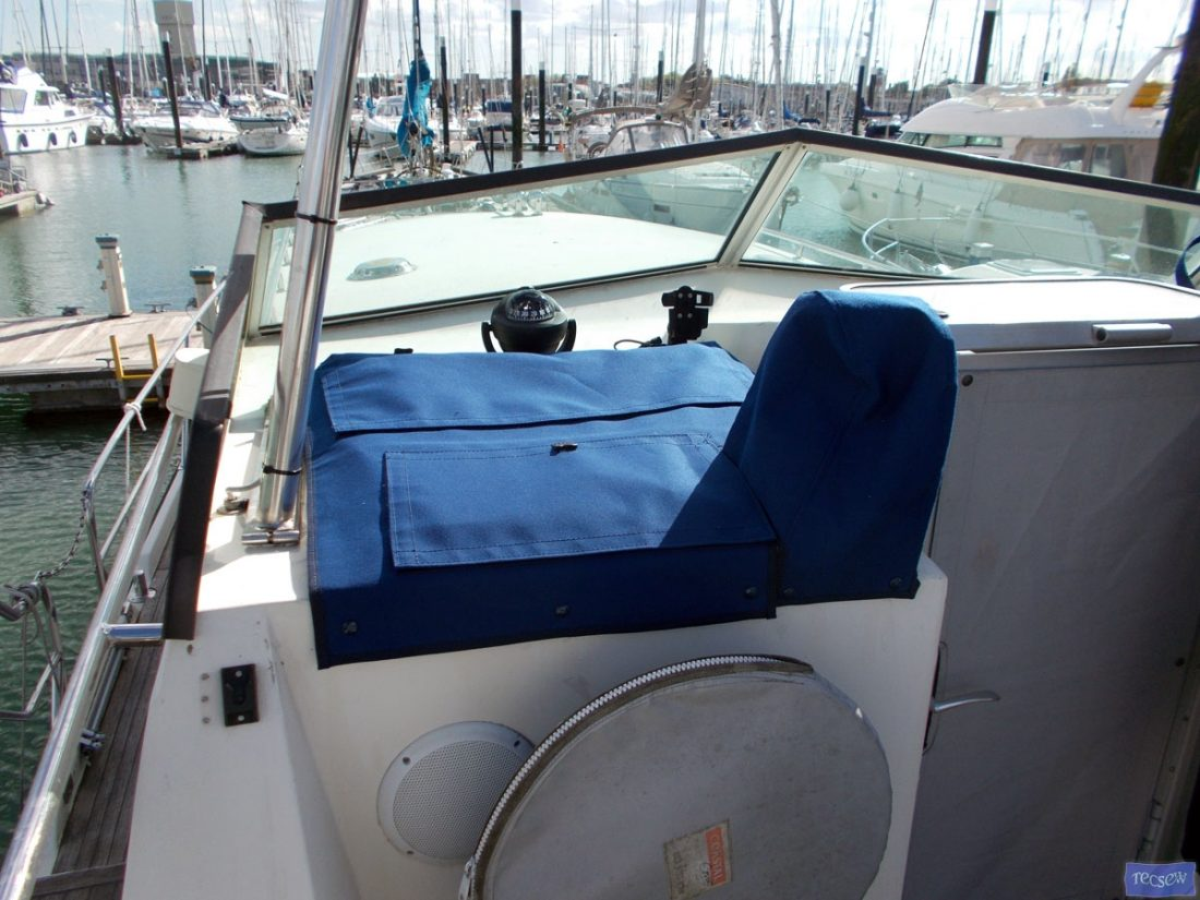aquastar 38 console and throttle cover 1