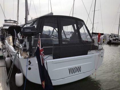 Beneteau Oceanis 51.1 model with NO ARCH, Cockpit Enclosure rear