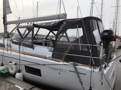 Beneteau Oceanis 51.1 model with NO ARCH, Cockpit Enclosure left side 2