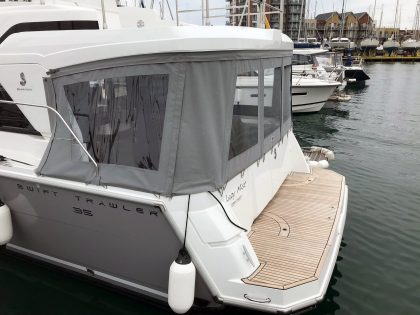 Beneteau Swift Trawler 35 Cockpit Enclosure left side 3