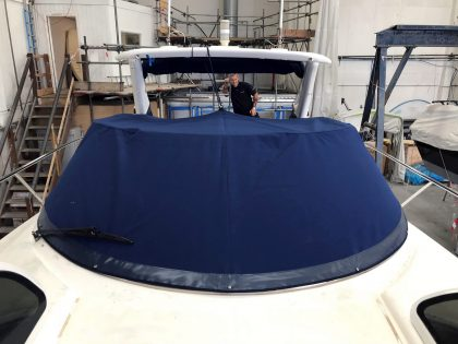 Sunseeker Superhawk 34 (2002), LIQUIDITY, Tonneau Cover front 1