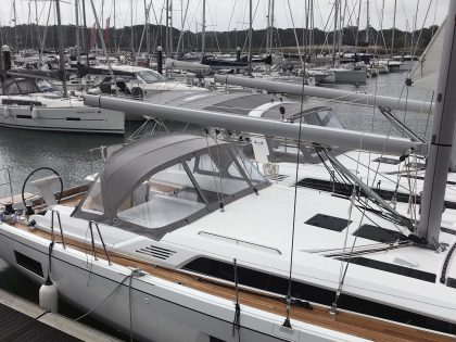 Beneteau Oceanis 46.1 with NO ARCH Sprayhood front 2