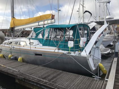 Allures 45.9 Bimini Conversion fitted to Tecsew Sprayhood and Bimini left side view 1