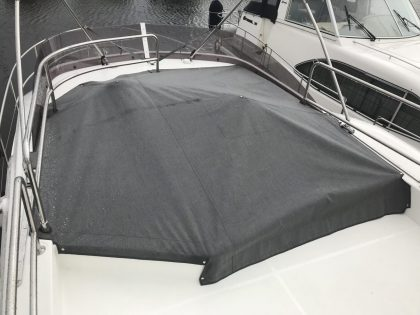 Beneteau Swift Trawler ST 30, Flybridge Cover version with push up pole 2