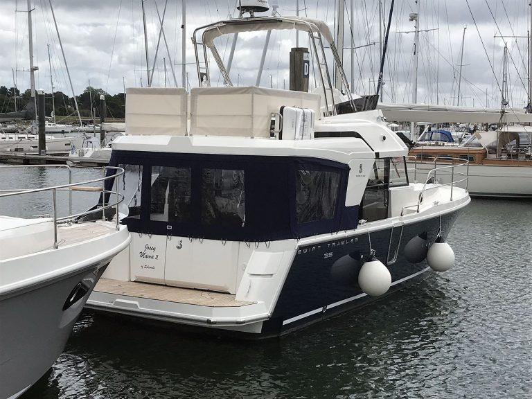 Beneteau Swift Trawler ST 35 Flybridge Dodgers