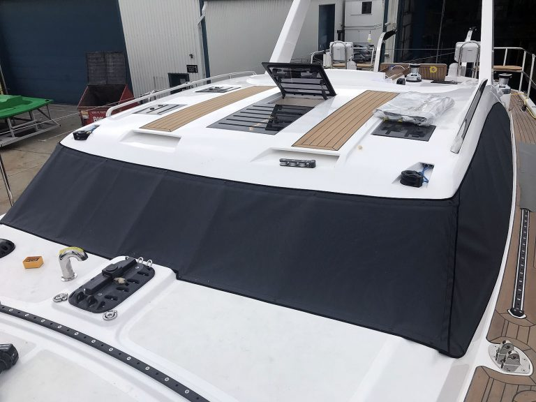 Discovery 48-009 Windscreen Cover