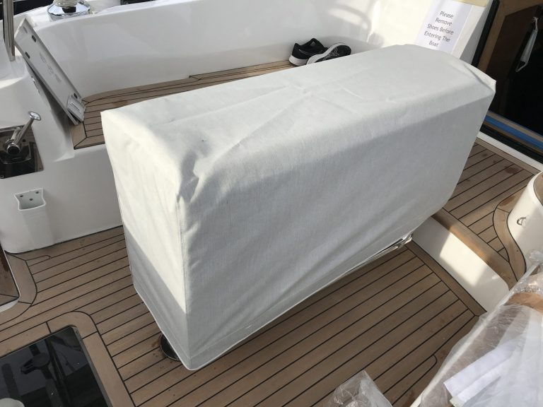 Discovery 48-009 Table Cover